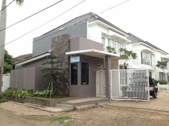 Villa Awatara - Main Gate